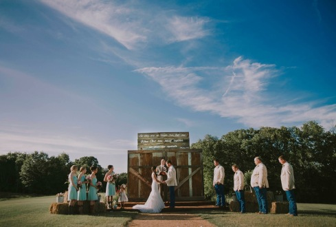dallas wedding photographer at the rocking r ranch